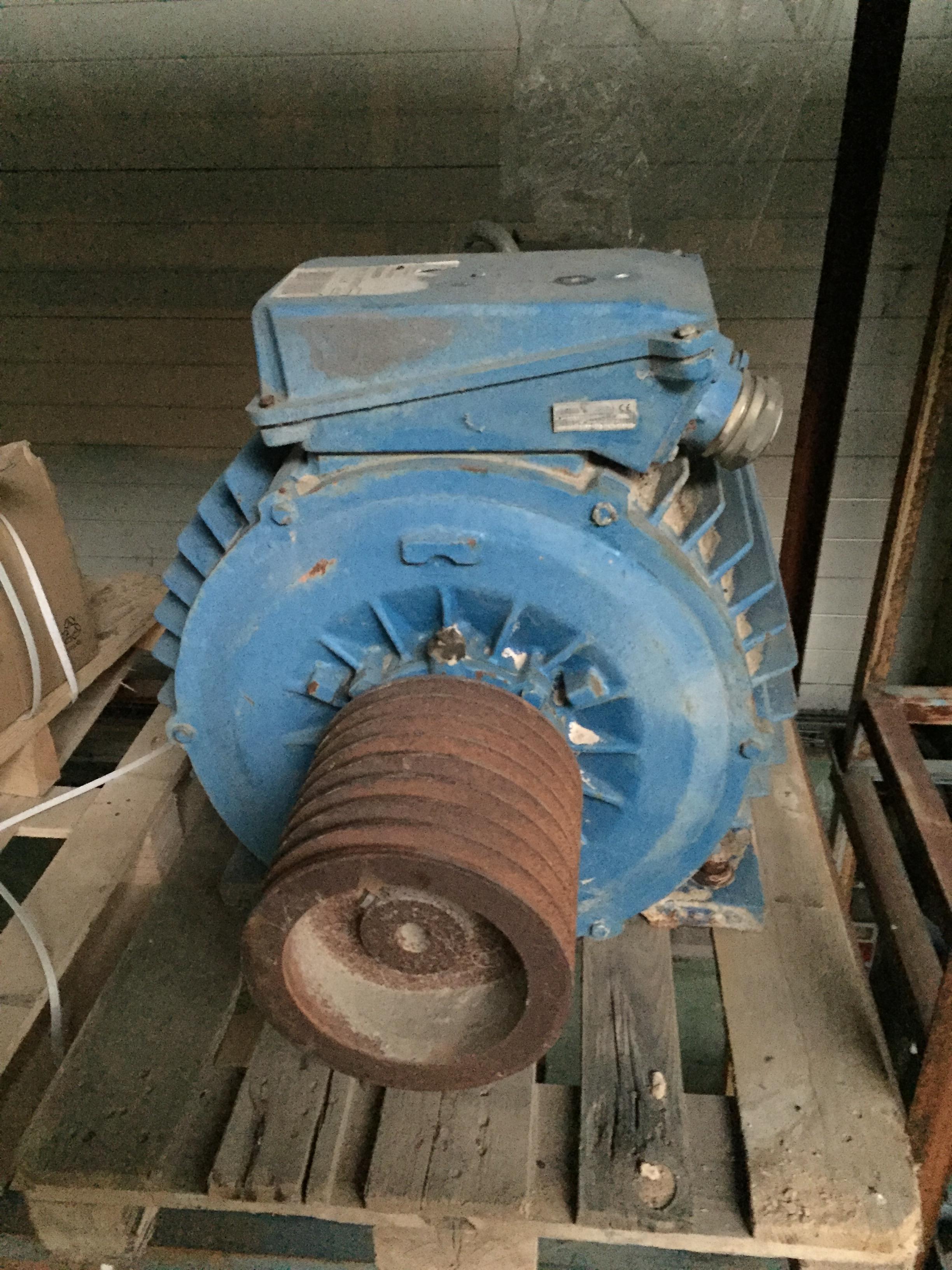 Motor 150cv 30h de uso
